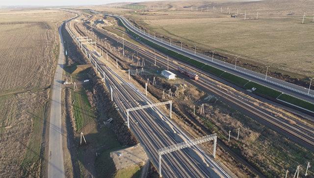 Строительные работы на железнодорожных подходах к Крымскому мосту. Архив