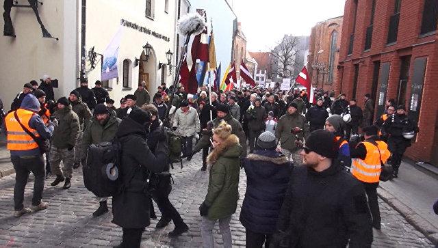 Бывшие легионеры Ваффен СС прошли по улицам Риги