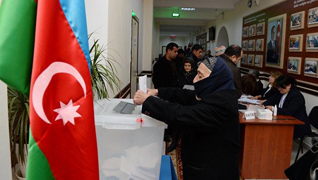 Алиев проголосовал на выборах президента Азербайджана