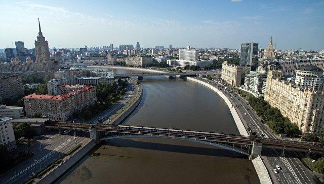 Смоленский метромост через Москву-реку в Москве