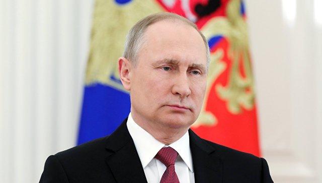 Владимир Путин во время обращения к гражданам России после обнародования ЦИК официальных итогов голосования на выборах президента РФ