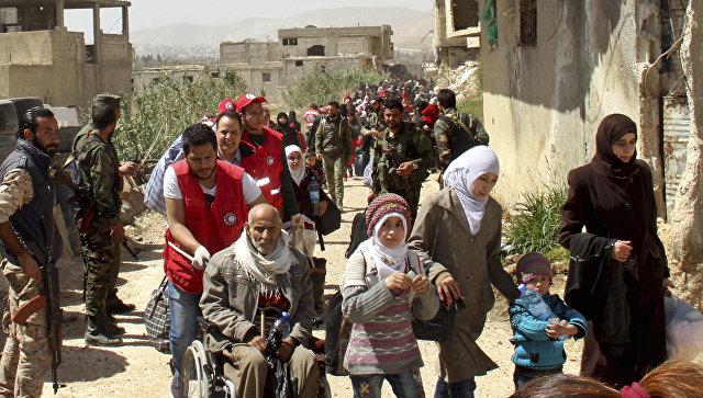 Выход беженцев из Восточной Гуты в Сирии. 25 марта 2018