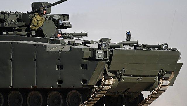 Боевая машина пехоты на гусеничной платформе Курганец-25 во время репетиции парада Победы. Архивное фото