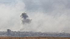 Дым над сирийским городом Дума. Архивное фото