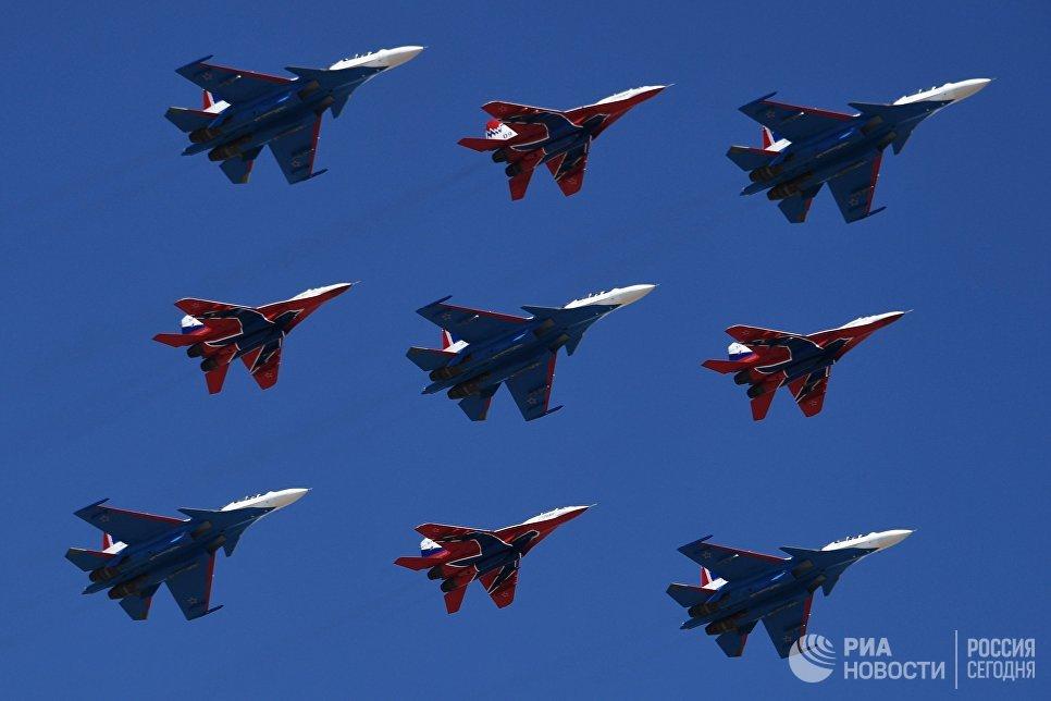 Новые истребители Су-57 впервый раз пролетят над Красной площадью 9мая