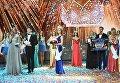 В центре: Мисс Россия 2018 Юлия Полячихина на церемонии награждения финалисток конкурса Мисс Россия-2018 в концертном зале Барвиха. 14 апреля 2018