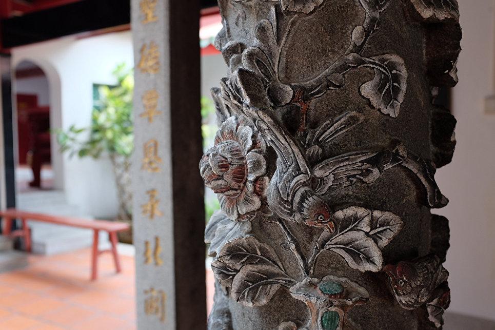 Пионы как архитектурная деталь в Китае