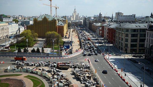 Вид со смотровой площадки Центрального детского мира на Лубянскую площадь и Политехнический проезд в Москве