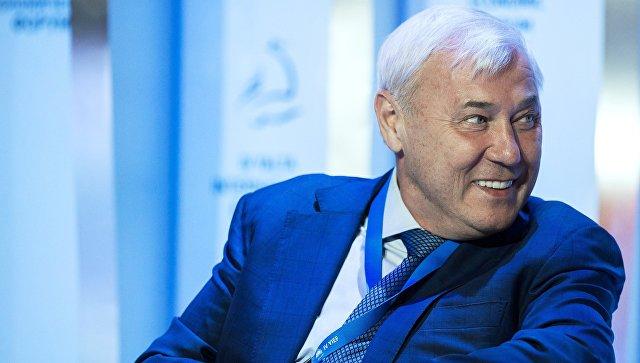 Председатель комитета Государственной Думы РФ по финансовому рынку Анатолий Аксаков на Ялтинском международном экономическом форуме в Крыму. 19 апреля 2018