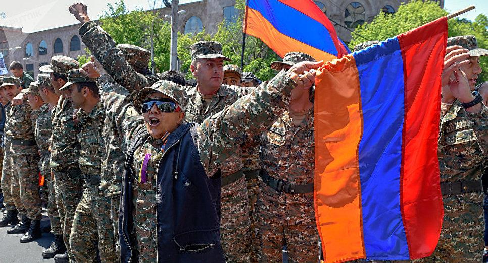 Пашинян готов занять кресло премьера Армении