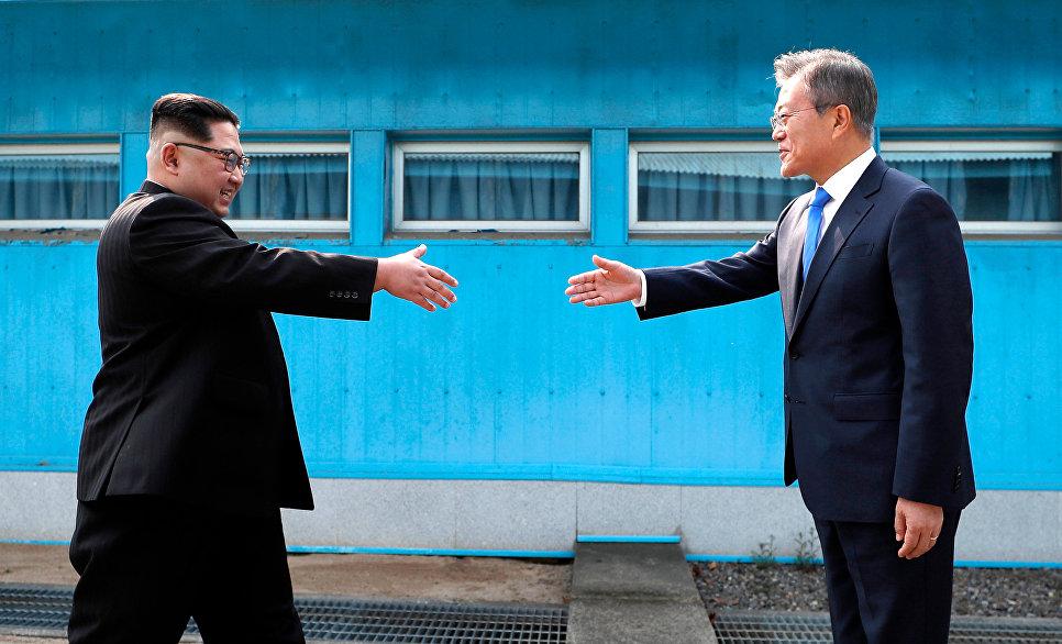 Встреча лидеров Северной и Южной Корей Ким Чен Ына и Мун Чжэ Ина