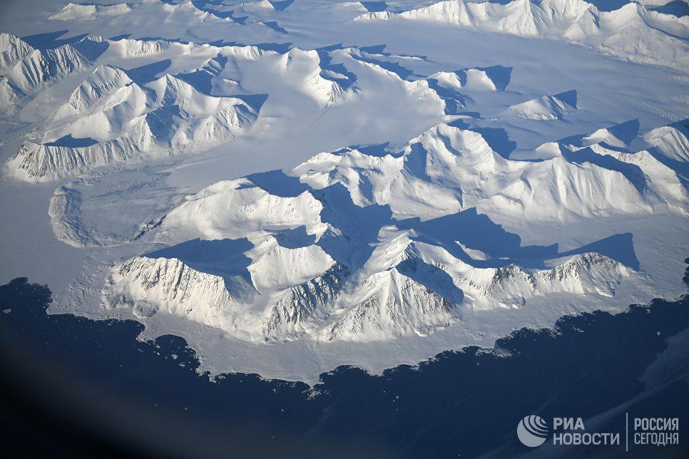 На подлете к Северному полюсу.