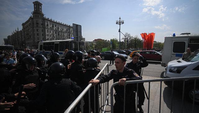 Протестные акции прошли в крупных городах, в Петербурге сотни задержанных