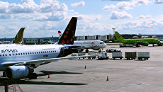 Самолеты авиакомпаний Brussels airlines, Austrian airlines и S7 в аэропорту Домодедово