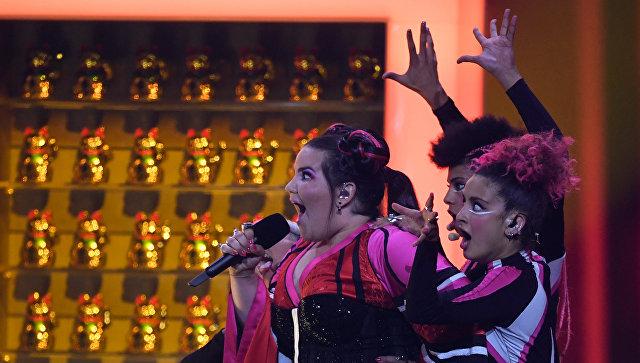 Участница из Израиля Нетта Барзилай в финале конкурса Евровидение. 12 мая 2018. Архивное фото