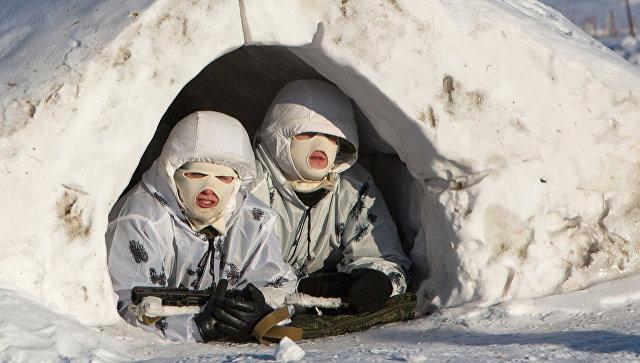 Курсанты единственной в России роты арктических мотострелков Дальневосточного высшего военного командного училища во время тренировочных занятий на полигоне в Амурской области