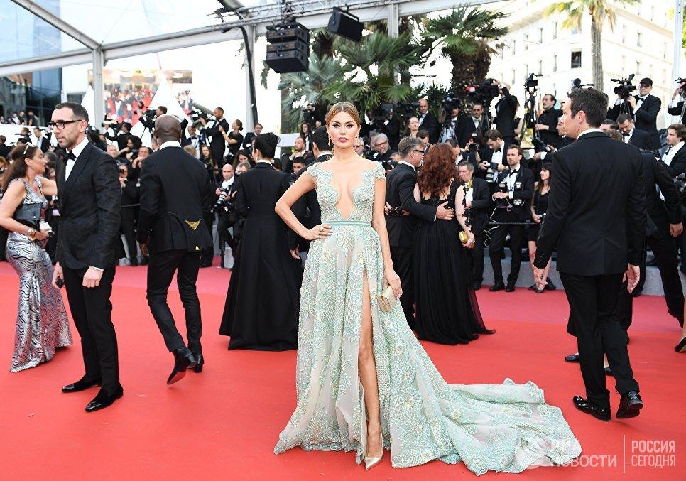 Телеведущая Виктория Боня на красной дорожке церемонии открытия 71-го Каннского международного кинофестиваля