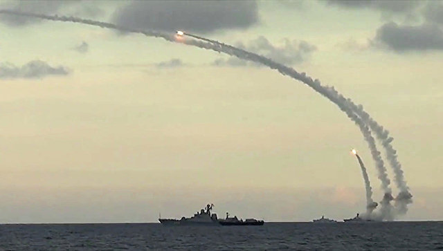 Ракетный удар, нанесенный из акватории Каспийского соря. Архивное фото