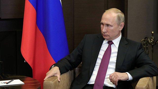 Президент РФ Владимир Путин во время встречи с президентом Сирийской арабской республики Башаром Асадом. 17 мая 2018