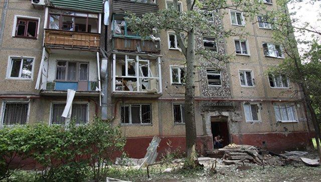 Жилой дом, пострадавший в результате обстрела, в поселке Горловка Донецкой области. Архивное фото