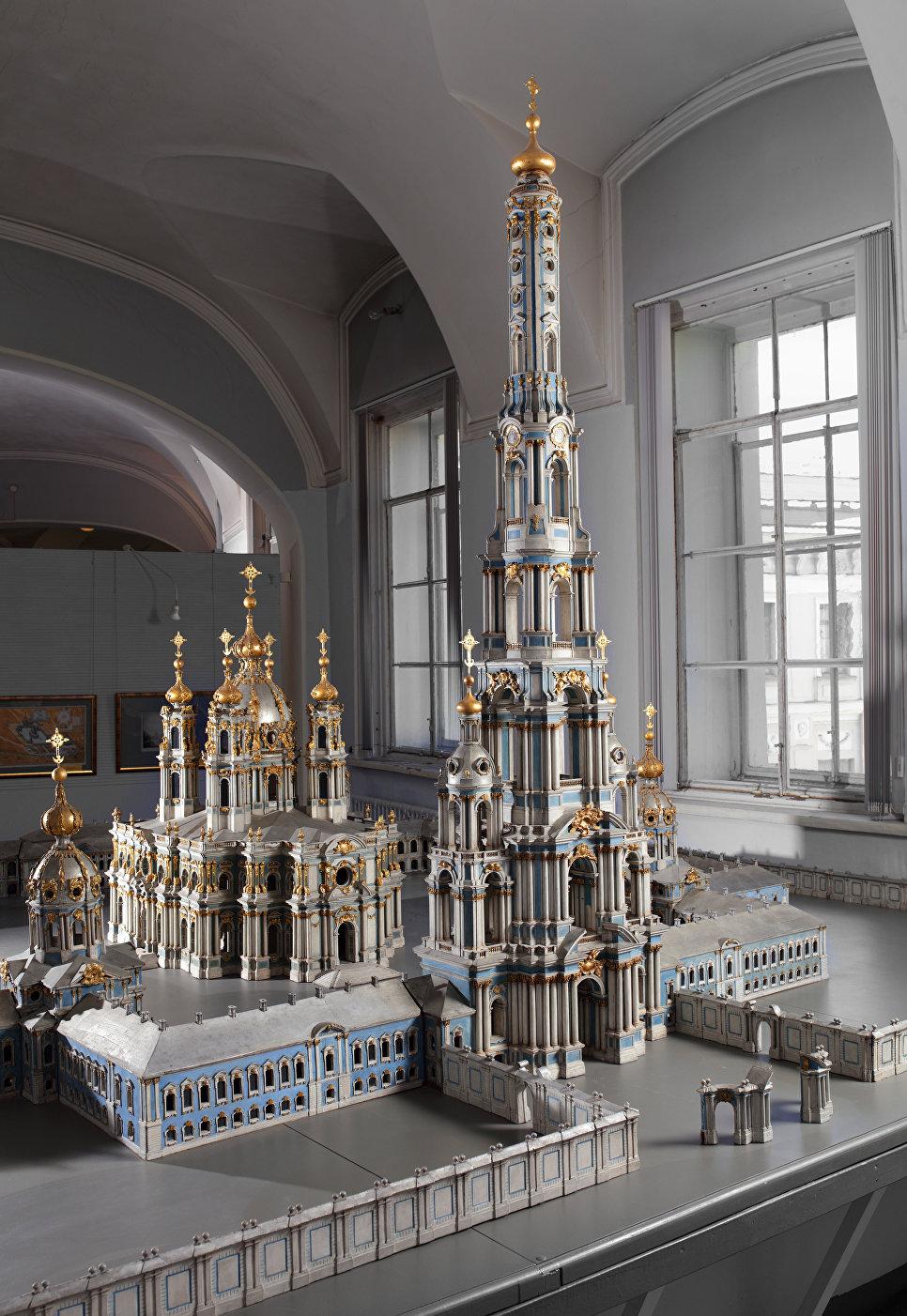 Изначальный макет колокольни Растрелли в музее, расположенном в здании Петербургской Академии художеств