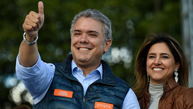 Кандидат в президенты Колумбии от партии Демократический центр Иван Дуке Маркес. Архивное фото