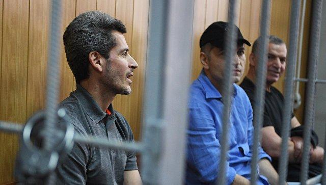 Следствие попросило оставить под арестом братьев Магомедовых