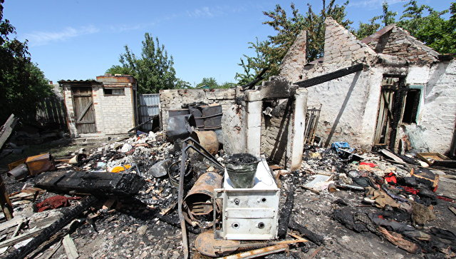 Последствия обстрела в Докучаевске