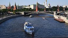 Туристические теплоходы на Москве-реке. Архивное фото