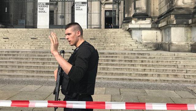 ВБерлинском кафедральном соборе полицейский открыл стрельбу