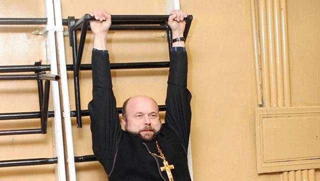 Священник Георгий Купцов, настоятель церкви во имя святых мучениц Веры, Надежды, Любови и матери их Софии на учебно-методических сборах руководителей епархиальных отделов по взаимодействию с Вооруженными Силами РФ.