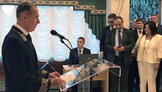 Посол России в Афинах Андрей Маслов во время выступления на торжественном приеме в российском посольстве по случаю Дня России. 12 июня 2018