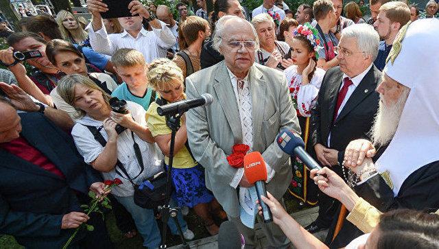 Политик Иван Драч на церемонии открытия памятника Небесной сотне в Киеве
