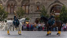 Церемония развода конных и пеших караулов Президентского полка СКМК ФСО РФ на Красной площади