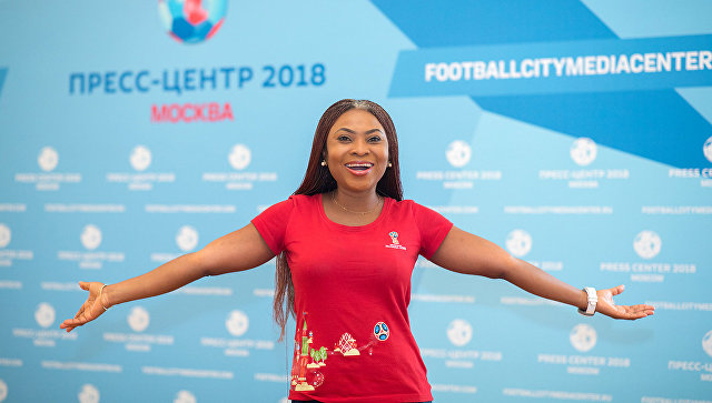 Фанатка борща: чем полюбилась и удивила Россия волонтера из Нигерии