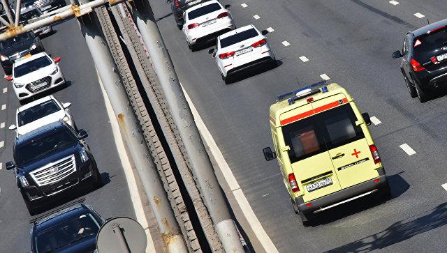 Автомобили едут по МКАДу. Архивное фото