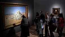 Посетители на выставке Василий Верещагин в Третьяковской галерее на Крымском валу