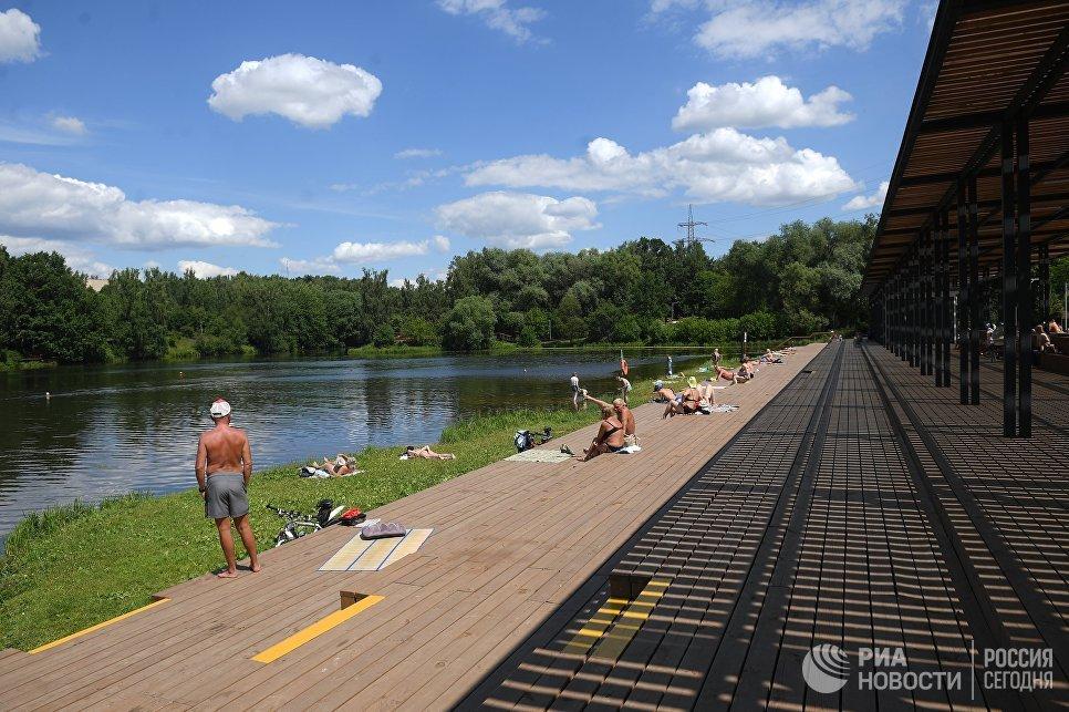 Парк Левобережный в Москве