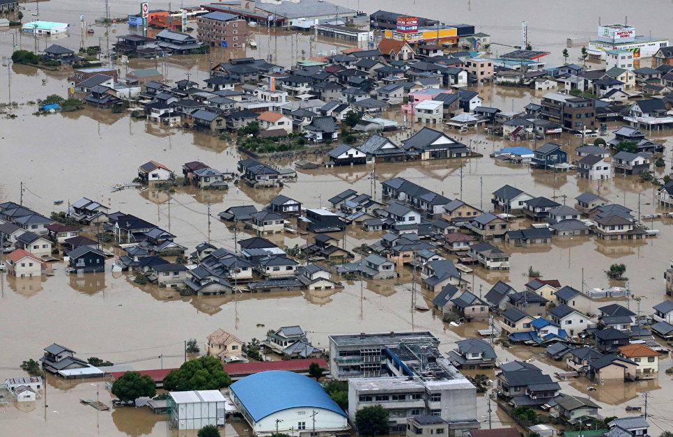 Последствия ливневых дождей в Курасиках, префектура Окаяма, Японии. 8 июля 2018 года