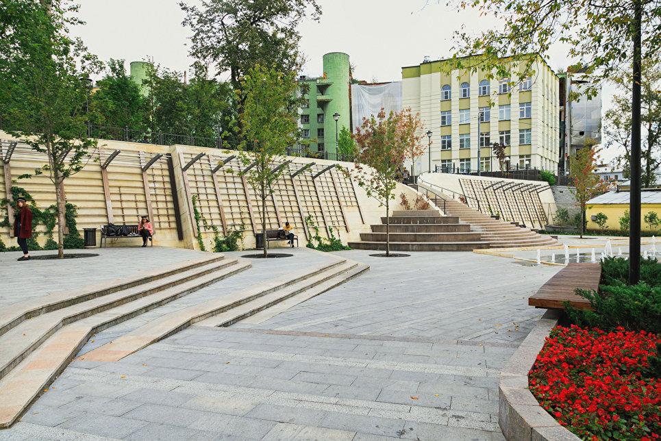 Итоги благоустройства общественного пространства на Большом Спасоглинищевском переулке