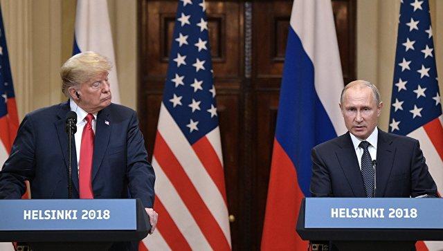 Президент РФ Владимир Путин и президент США Дональд Трамп на пресс-конференции по итогам встречи в Хельсинки. Архивное фото