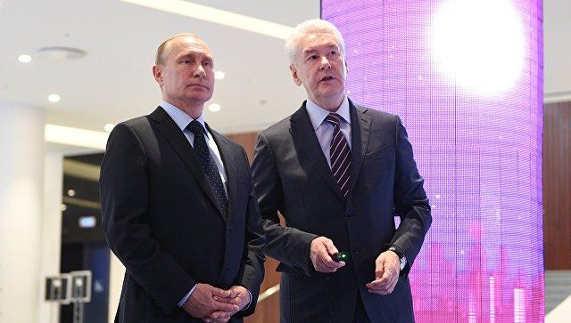 Президент РФ Владимир Путин и мэр Москвы Сергей Собянин. Архивное фото