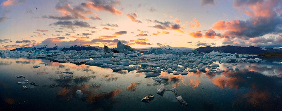 Работа фотографа Mateusz Piesiak из Польши Icebergs, занявшая первое место в категории Панорама в фотоконкурсе 2018 iPhone Photography Awards