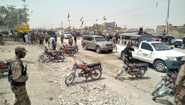 Число погибших при взрыве на западе Пакистана возросло до 28