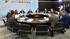 Дмитрий Медведев проводит заседание Евразийского межправительственного совета премьер-министров стран ЕАЭС. 27 июля 2018
