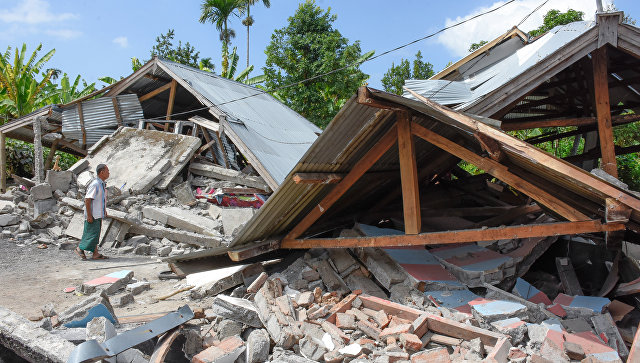 Последствия землетрясения на острове Ломбок. Архивное фото