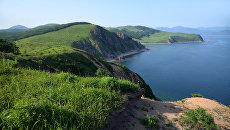 Прибрежный ландшафт острова Путятина. Архивное фото