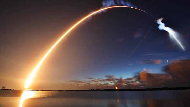 Запуск ракеты Atlas V со спутником вооруженных сил США с мыса Канаверал