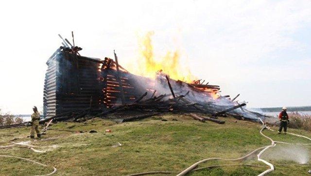 Пожар в церкви Успения Божией Матери в Кондопоге в Карелии. 10 августа 2018