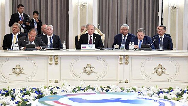 Президент РФ Владимир Путин на встрече глав государств-участников V Каспийского саммита в Актау. 12 августа 2018